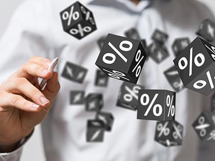 Максимальная ставка повкладам топ-10 банков РФ  снизилась до8,05%